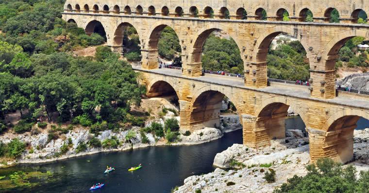 canoeing pont du gard