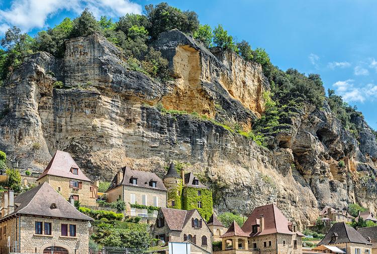 la roque gageac cliffs